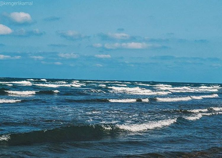 Caspian Sea VSCO Vscoazerbaijan Baku Azerbaijan Love City Like4like Like Likeback Likeme Tumbrl Likealways Vscobest Sea Vscorussia Vscoguys Photo Shoot Bakupeople Kengerli Azerbaijan Seaside Wave Caspiansea blue волны waves water