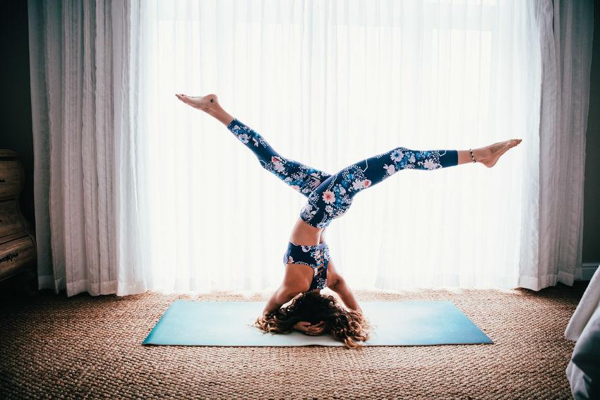 Home Woman Yoga Yoga Pose Curtains Fit Fitness Indoors  Sport Yoga Practice Yogaeverydamnday Yogagirl Yogi The Week On EyeEm