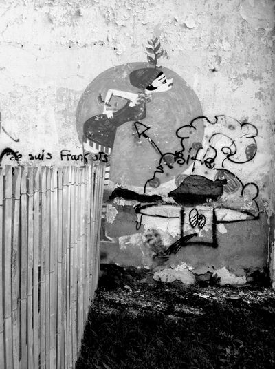 Art De Rue Mars Black Filters Behind The True Wall Barbecue