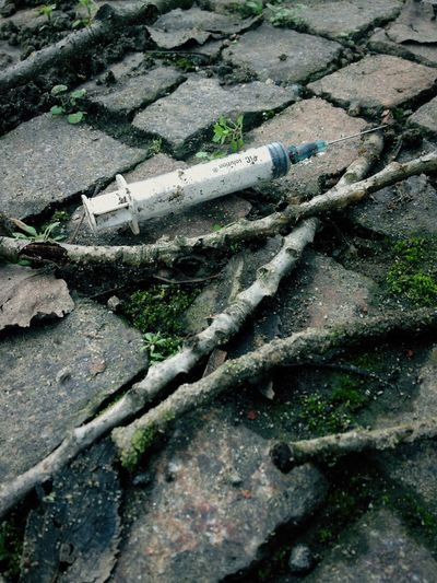 on the way to the cemetery... I thought that abandoned syringes were a thing of the past Abandoned Drug DrugAddiction Heroin Syringe Italy