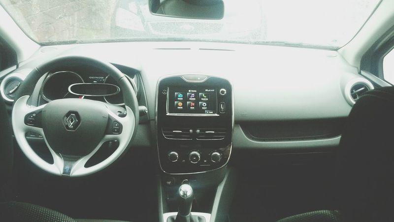 nach dem ich meinen twingo zu schrott gefahren haben, muss ja schließlich was neues her... Renault Clio Dynamic Schwarz Ein Traum.