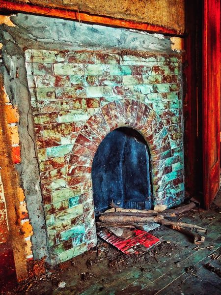 Ok dammit😧😳who stole the rimu and copper surround! Buggars!😣 https://youtu.be/DBpeK9yaONQ Fireplace Brickwork  Scrim And Sarking If These Walls Could Talk Antique Telling Stories Differently Artphotography Retro Urbex_supreme Untold Stories Abandoned & Derelict Urbexjunkies Urbex_prestigious Edit Junkie Your Reality Is Not Mine Do I Look Like I Care Dark Photography Edit_masters Rotting Wood Grime_nation Indoor Photography Edited Photography Darkness And Light Forgotten The Architect - 2016 EyeEm Awards
