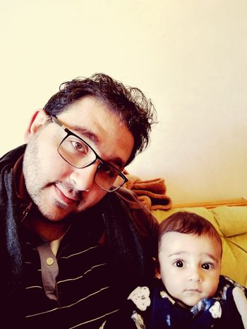 Lil' one with dada! Two People Child Family Baby Babyboy Love Father & Son Fatherhood Moments Fatherhood