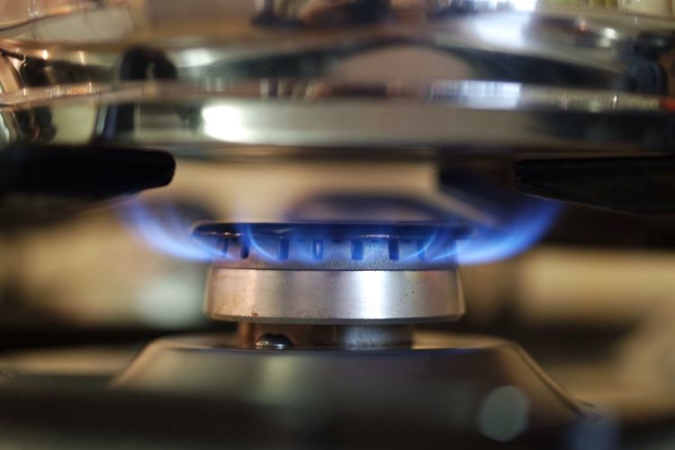 Gas burner Flame Stove Burner - Stove Top Heat - Temperature Blue Domestic Kitchen Food And Drink Preparation  Burning Indoors  Kitchen Metal Gas Stove Burner Domestic Room Close-up Kitchen Utensil Food And Drink Industry Gas