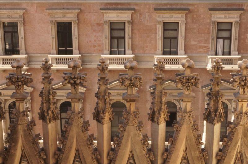 Duomo di milano on sunny day