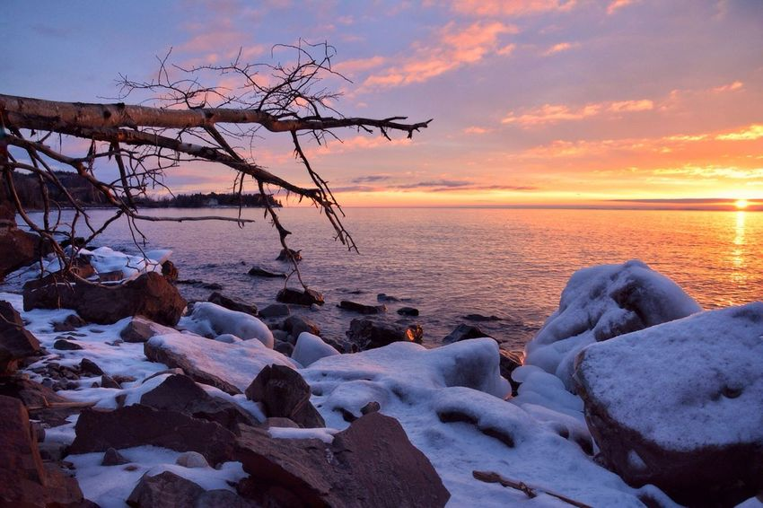 Good Morning Minnesota Beauty In Nature Nature Sky Sunset Sea Scenics Cold Temperature Tranquility Tranquil Scene Winter No People Water Snow Outdoors Frozen Minnesota Malephotographerofthemonth Lake Superior Winter Beauty In Nature Ice Horizon Over Water Cloud - Sky Bare Tree