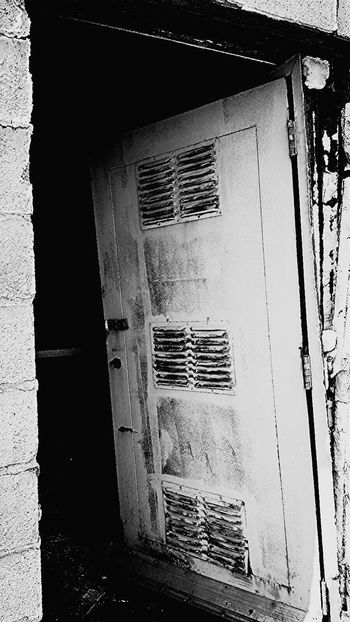 Doorway Doorporn Doorway To Hell... DrugLife  Anotherdayinthehood City Life Abandonment_issues