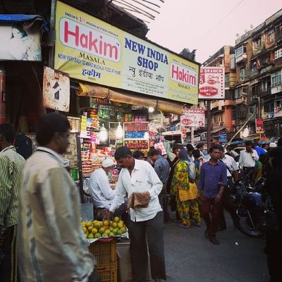 Bhendi Bazaar series - Crowded streets ExploringBombay ExploringBhendiBazaar