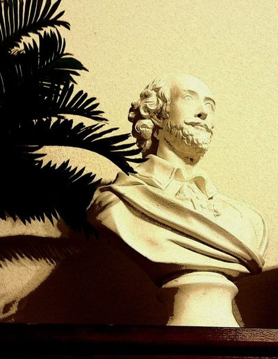 Bust  Close-up English Playwright Indoors  One Person Playwright Shakespeare Shakespeare's Bust