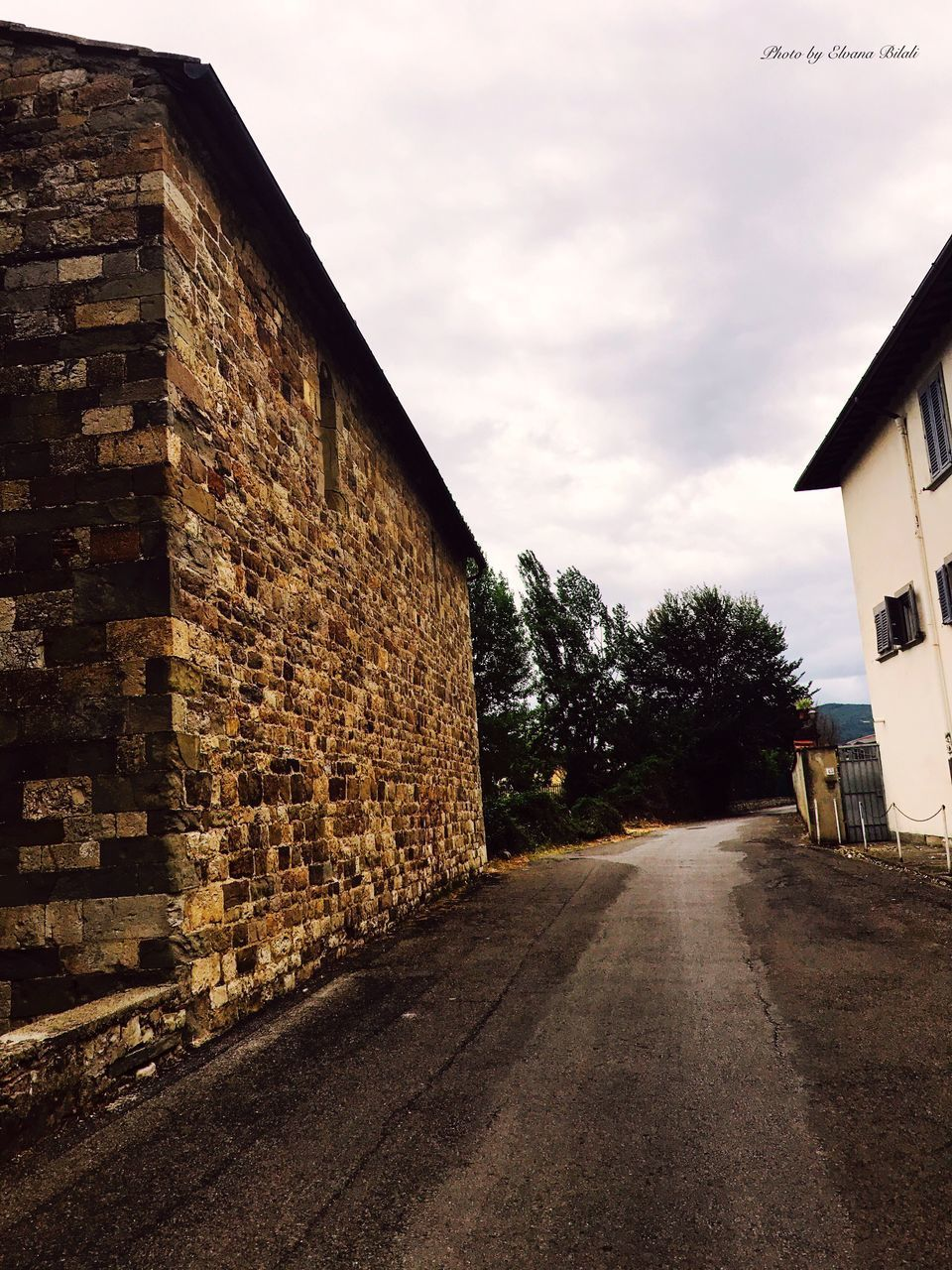 architecture, built structure, building exterior, the way forward, outdoors, road, sky, no people, day