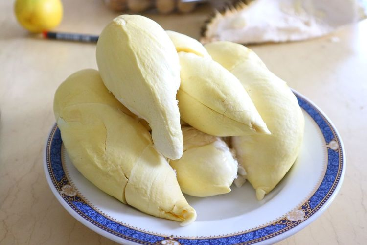 Durian EyeEm Best Shots EyeEm Selects Bueatiful Asian  Backgrounds Food Durian Durian Fruit Durian Season Frozen Food Plate Dessert Close-up Sweet Food Food And Drink Prepared Food Vanilla Ice Cream  Frozen Sweet Food Strawberry Ice Cream Steamed  Unhealthy Lifestyle Vanilla Dumpling  Dim Sum Ice Cream Parlor Ice Cream Sundae Chocolate Sauce Chinese Takeout Bamboo - Material Chinese Food