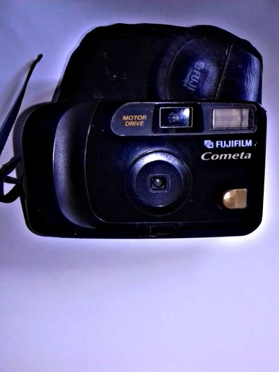 Old Camera Old Camera Photos Old Camera Film Old Camera I Found In My Garage Belongs To Me Taking Photos EyeEm Gallery Eyeem4photography EyeEm Best Shots Eyeem Photography Eyeemphotography Hello World EyeEm Indonesia