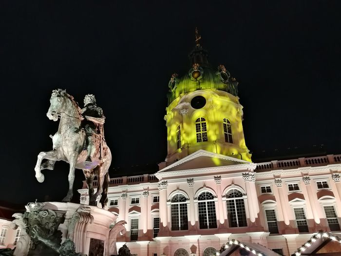 Night Architecture History Statue Building Exterior Illuminated Built Structure Travel Destinations Sculpture No People Outdoors Black Background Christmastime Charlottenburg  Weihnachtsmarkt