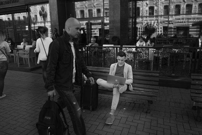 Working. Blackandwhite Cityscapes Streetphotography Eye4photography  EyeEmRussianTeam Streetphoto_bw Hello World