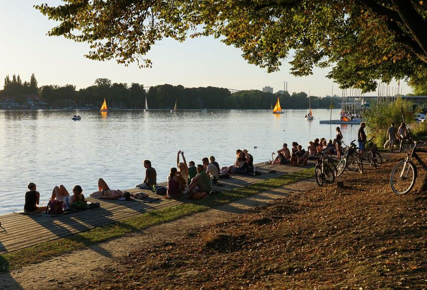 Maschsee Chill Chilling Enjoying Life Enjoying The Sun Evening Light Germany Hannover Lake Lakeshore Lakeside Large Group Of People Leisure Activity Lifestyles Maschsee Nature People Together Real People Relaxation Sitting Summer Water Weekend Activities Youth