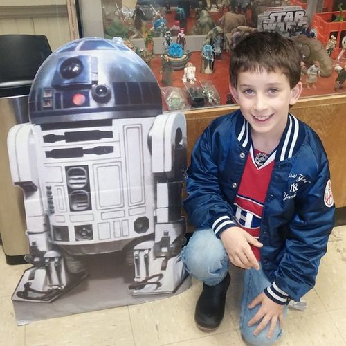 Geeking out at a star wars show Starwars R2D2 Star Wars Collection Timeless Gettingourgeek on