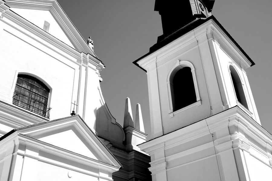 So simple.. but kinda like it ... Simplicity Church Churches Christian Bell Blackandwhite Streetphotography Old Town Historical Building Historical Monuments Stare Miasto Walking Around Street Photography Taking Photos Sunday Showcase June
