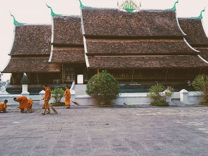 Watxiengthong Luangprabang Laos Southeastasia Watsandtemples Monks Templelife Wanderlust Everydayasia Everydaylife Travelshots Travelawesome Travel VSCO Vscocam Vscolaos Traveltheworld Traveldeeper Destinationasia Landscape Feel The Journey Travelingourplanet