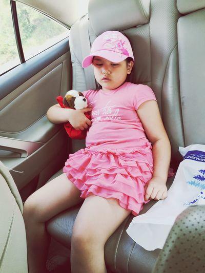 sleepy Arianna Sleepy Sleepyhead Emotion Everyday Car Roadtrip Kid Little Girl MeinAutomoment Mein Automoment