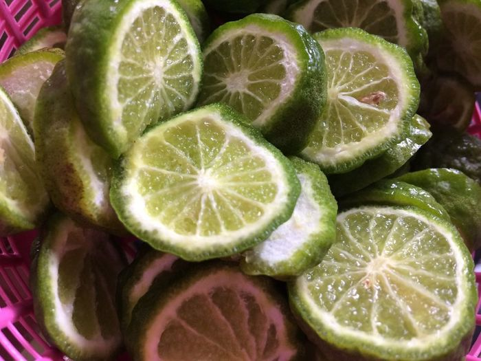 Green bergamot Healthy Eating Food And Drink Food Freshness Wellbeing SLICE Fruit Citrus Fruit Green Color Vegetable Indoors  Backgrounds Group Of Objects Close-up No People