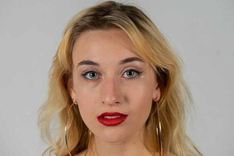Blonde Lipstick Red Adult Beautiful Woman Beauty Human Face One Person Studio Shot Women