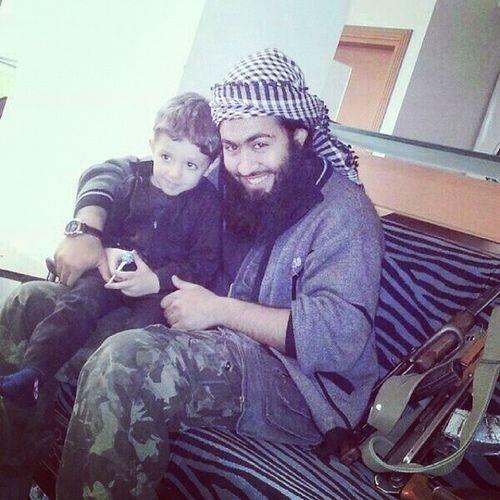 الشهيد_أبو_يزيد_الجزراوي الذي قتل على يد داعش الإبتسامة لم تفارقه حتى بعد استشهادة تقبله الله جبهة_النصرة قاعدة_الجهاد