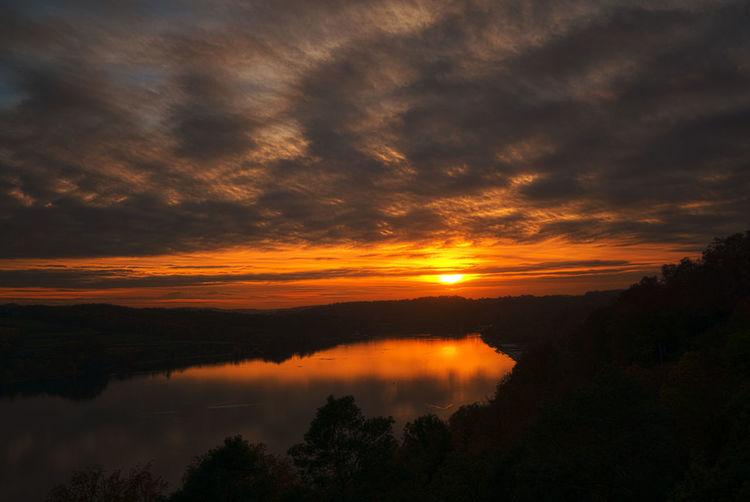 Sonnenuntergang am Baldeneysee Baldeneysee Beauty In Nature Cloud - Sky Dramatic Sky Landscape Nature Orange Color Reflection Sunset Water Summer Exploratorium
