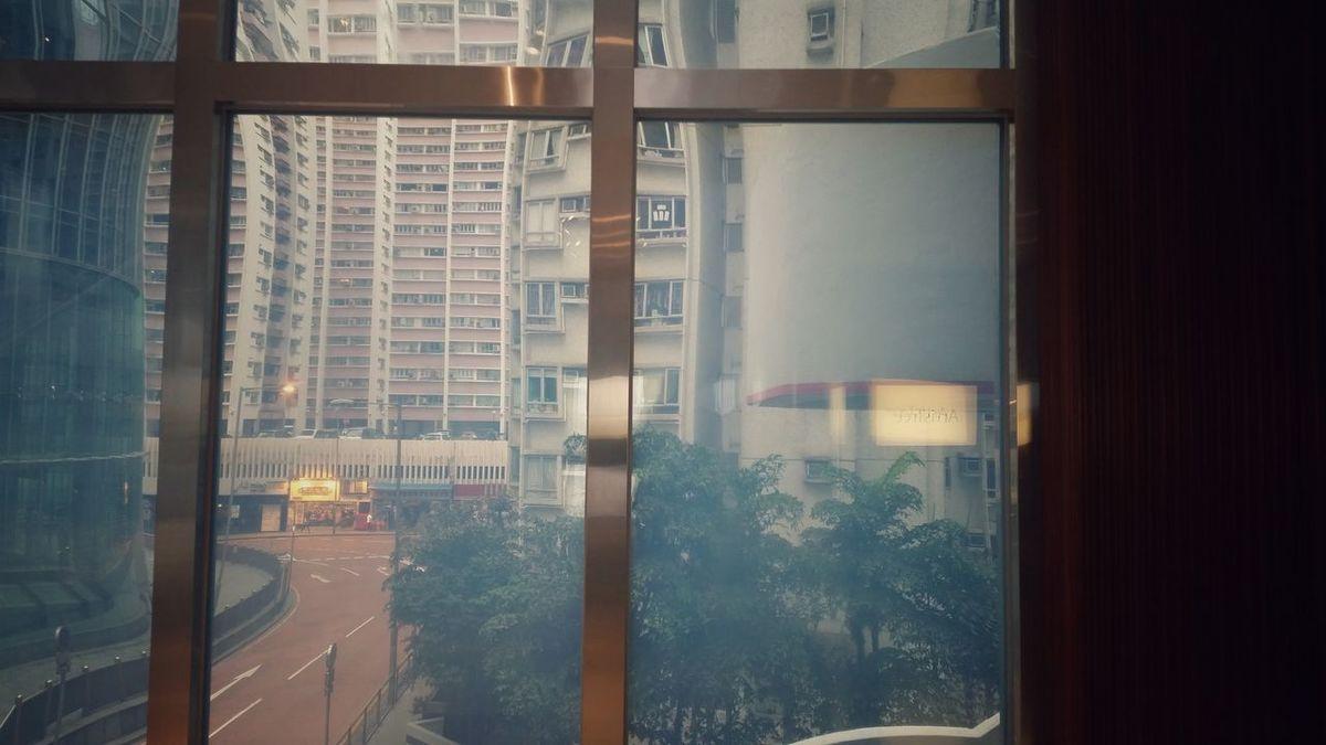 Window Deformation HongKong Taikoo Place