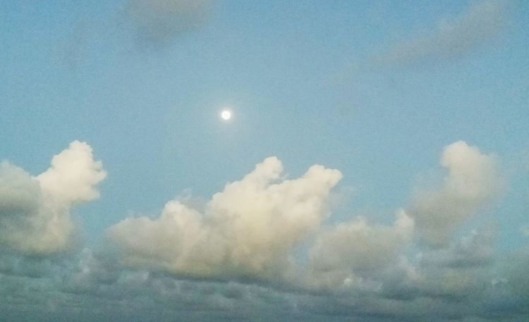 A lua está em Satan'aries!! ♈