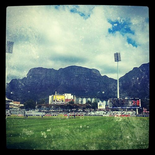 The most Beautiful Cricket ground ever,Newlands , Capetown . tablemountain proteas