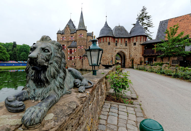 Burg Satzvey Castle Historical Building Lion Medieval Travel Destinations