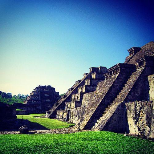 5:00pm Mexico Veracruz Tajin Piramide