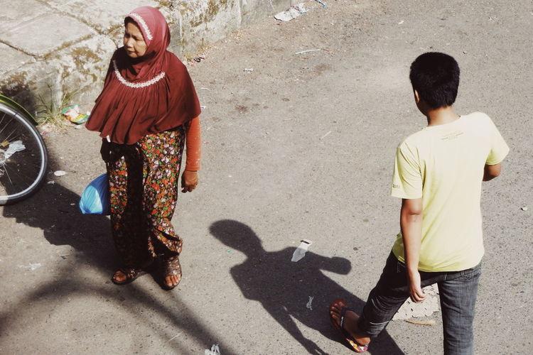 on the street Street Photography Streetphotography Streetphoto_color Men Childhood Child Boys Sand