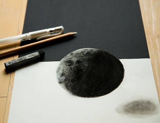 Zum Zeitvertreib That's Me Drawings Getting Inspired Streamzoofamily 3D Anamorphic Black & White Moon Anamorphicart Pencil Pencil Drawing Check This Out Mission Mystery