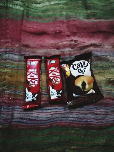 Chocolove Love Chocolate Kitkat Cupcake Hungry Close-up