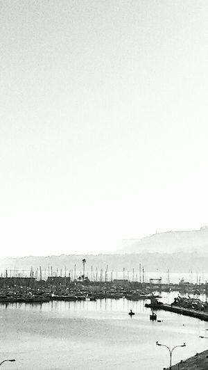 Mañana brumosa en Denia. Buenos días. Monoart Shootermag Movilgrafias Denia Deniafoto