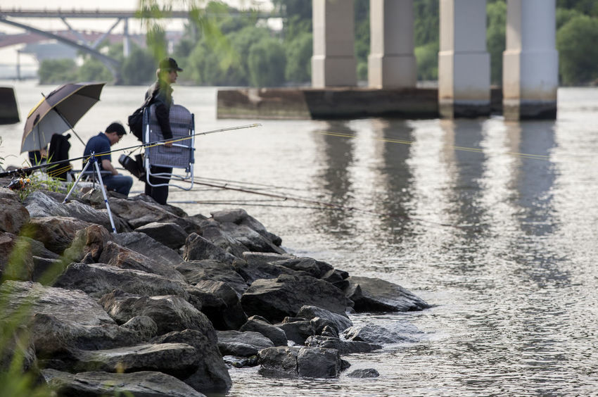 Casual Clothing Dangsan Day Fishing Han River Hangang Hobby Leisure Activity Lifestyles Nature Outdoors People Relaxing Rippled Riverside Rock - Object Rocks Sport Tranquility Umbrella Water Yanghwadaegyo