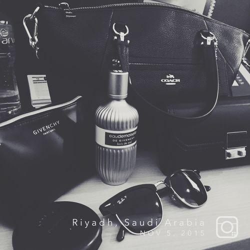 Hello... 💜 Fancy Mac Makeup Givenchy Coach Charles&keith Bag Love Girls Blackandwhite