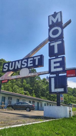 Athens Ohio Hocking Hills Hotel Motel Motel Sign Rural Photography Rural Rurex Rural America Rurexeploration Roadside Roadside America Small Town