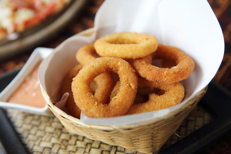 Onion Rings Food And Drink Container Food Ready-to-eat Freshness Fried Focus On Foreground Snack Deep Fried  Unhealthy Eating Basket Fast Food Still Life High Angle View Close-up Table Appetizer No People Bowl Vegetable Onion Ring Take Out Food Pub Food