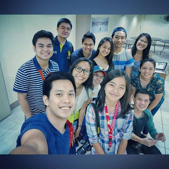Our Oscarselfie after the sports photography lecture-workshop. Thank you Ateneo Resident Students Association (Arsa ) for having Themanansala ! 📷