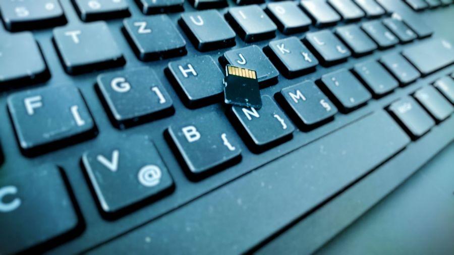 Computer Keyboard Technology Computer Connection Wireless Technology Laptop Internet Usb Drive USB Computer Part USB Stick Communication Close-up No People Keyboard EyeEmNewHere