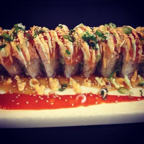 Godzilla roll. Sushi Lunchdate Riverpark Yoshinos