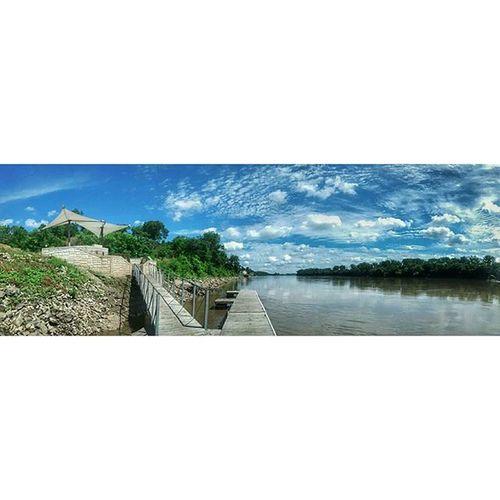 The first boat dock in Atchison..... Ks_pride Ipulledoverforthis Kansasphotographer Kansasphotos