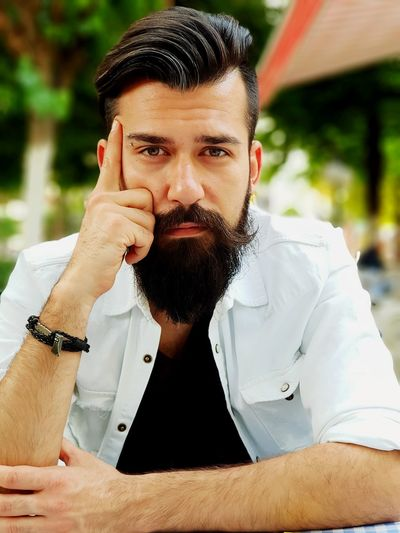 Considerate Beard Men Portrait Mid Adult Front View Close-up Mustache Facial Hair Earring  Hipster - Person Jewellery Pierced Posing