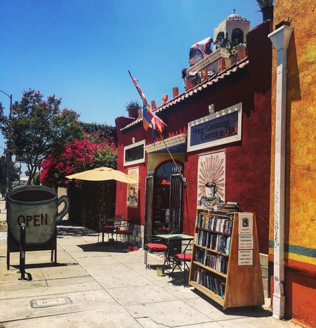 Streetphotography Street Cafe Time Los Angeles, California Morning Colorful Walls Doors Windown Fancy Colorfull Hello World Check This Out Relaxing Taking Photos Enjoying Life