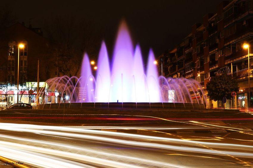 Larga exposición. Leganés Madrid España SPAIN España Eos750d Canon Manu García Night Noche Fuente Night Long Exposure Illuminated Motion Light Trail Speed Blurred Motion Fountain City Street