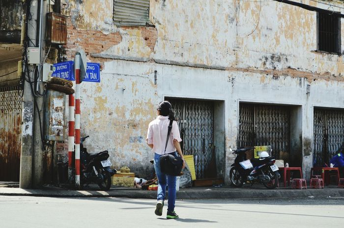 The Street Photographer - 2017 EyeEm Awards Viet Nam Photo One Person Traveling Canthocity  Taking Photos Girl Lodvieliz Walking On The Street Lifestyles Its Me Streetphotography Live For The Story