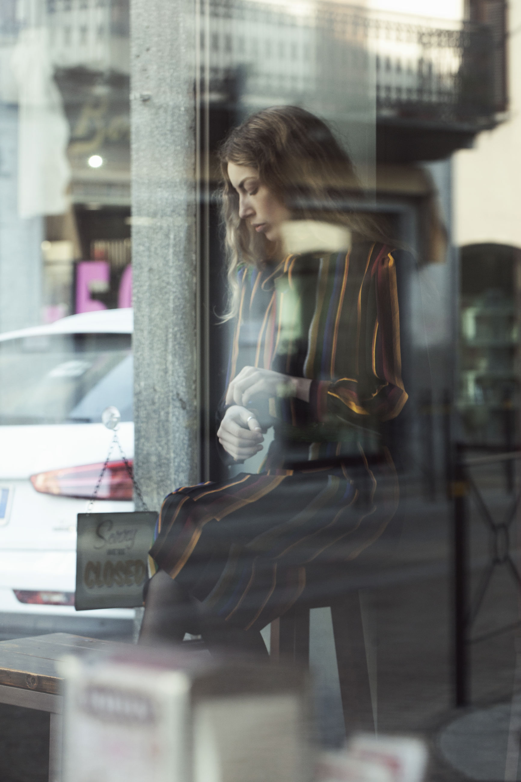reflection, one person, beautiful woman, only women, one woman only, window, fashion, business, store, store window, beauty, business finance and industry, leisure activity, people, indoors, mannequin, women, adults only, adult, one young woman only, young adult, day
