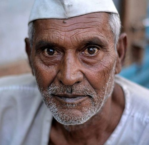 Aged so well, every wrinkle on his face narrates a different story, Sings a different song, Portrays a different emotion. And illustrates a different notion. Undoubtedly, Old is gold. India Pgc_contest Phodus Phodus_competition Nikond5300 Oldindia Nikonindia Nofilter Simplicity Wisdom Oldage Aged Streetphotography Repostindia Perfectpotrait Facesofindia Natgeotravel Storiesofindia Wanderlust India_clicks Potraits_ig India_gram Faces Midjavacultureautomodifest Photooftheday photographycontest expression oldfaces noedit photographers_of_india